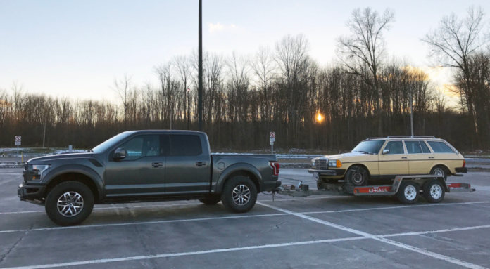 How Much Can a Ford Raptor Tow